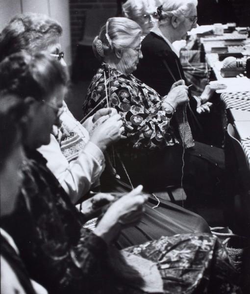 Vrouwen voor het voetlicht-937