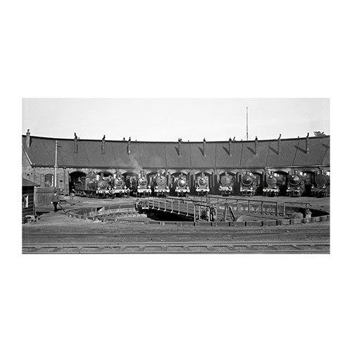 Stoom bij NS in de jaren dertig   Nederlandse stoomlocomotieven door Britse fotografen geportretteerd